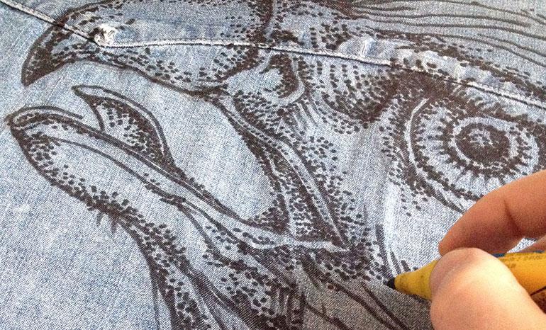 Роспись рубашки маркером